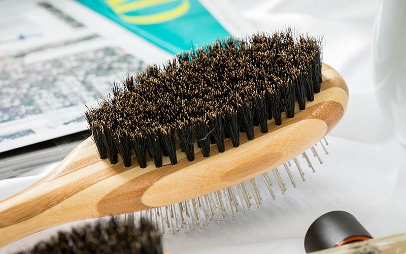 Boom Home removing pet combs and brushes design for fur