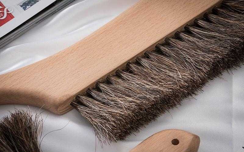 smooth wooden brush customized for clothe
