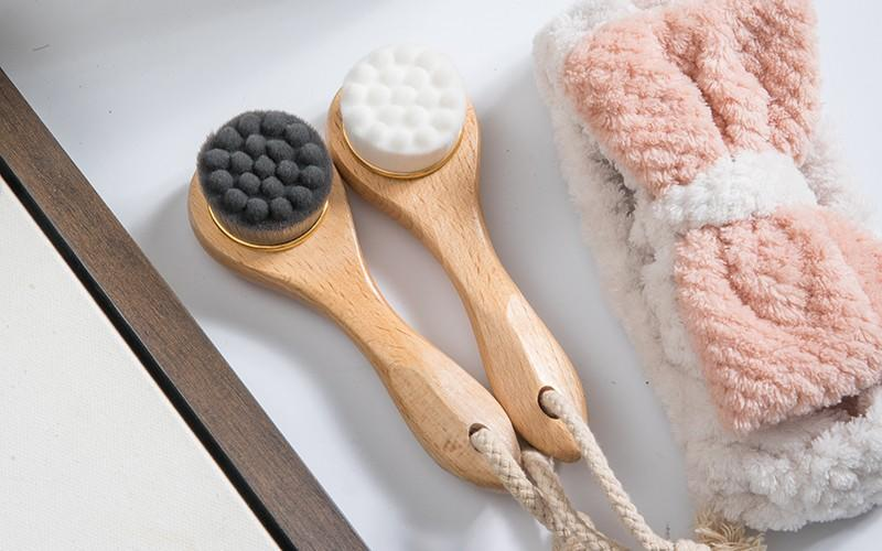 Custom wood face brush eco-friendly for business for makeup