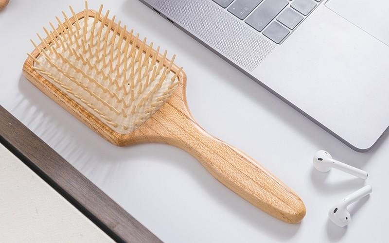 anti-static wooden paddle brush shape design for home