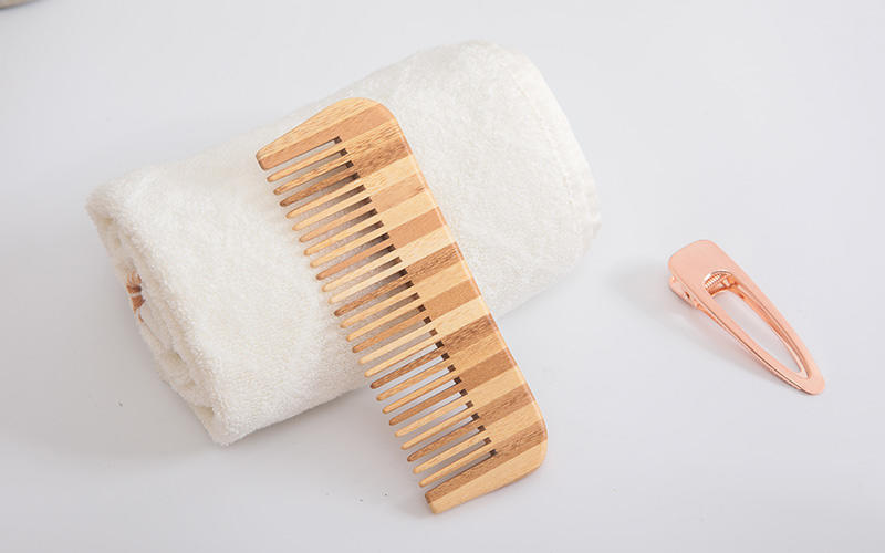 Boom Home oval bamboo hair comb personalized for curly hair-2