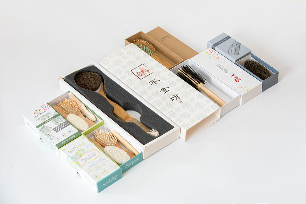 Latest wood hair brush pocket company for hotel